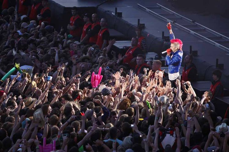 30-seconds-to-mars-rock-am-ring-2010_1[1]